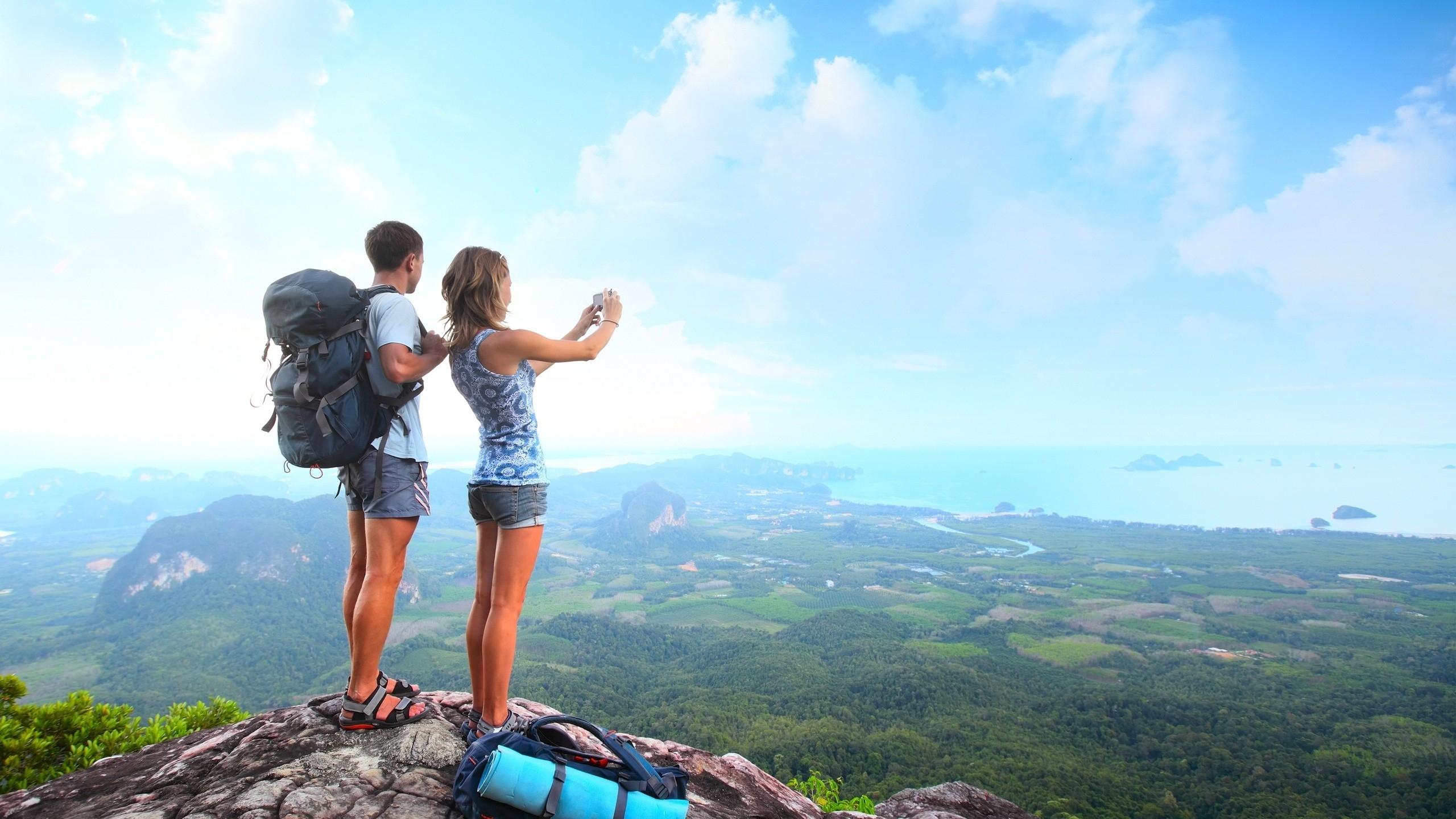 Резултат с изображение за people traveling