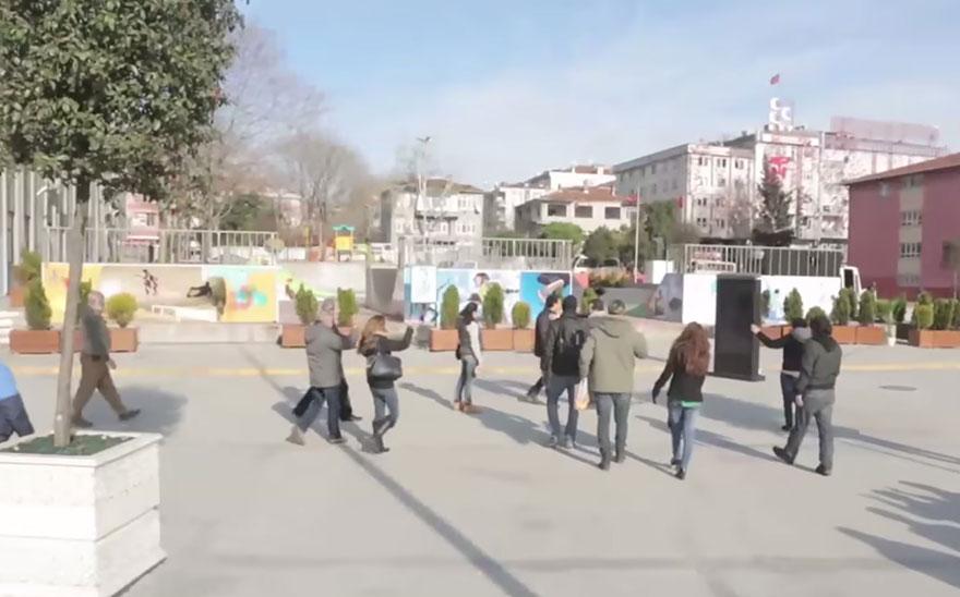 town-learns-sign-language-deaf-muharrem-samsung-video-call-center-21