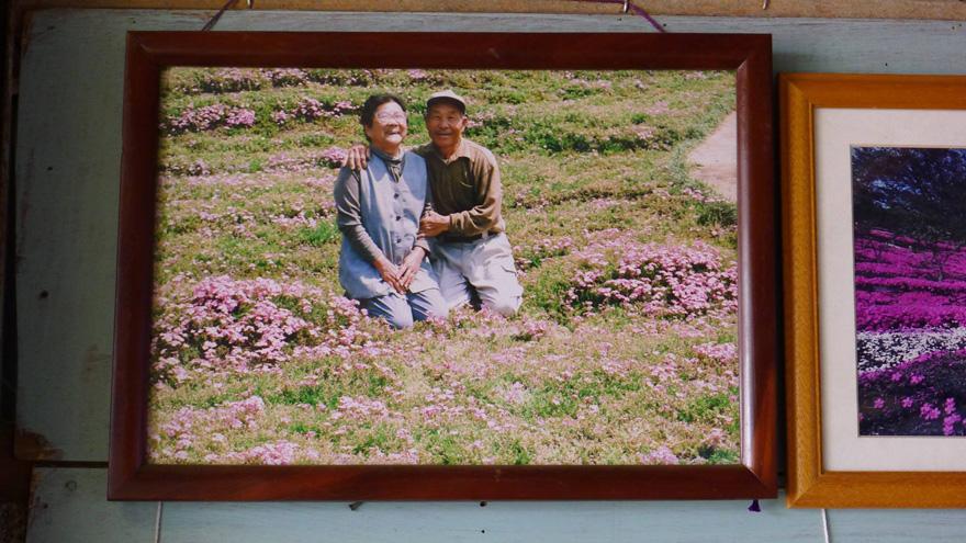 husband-plants-flowers-blind-wife-kuroki-shintomi-8